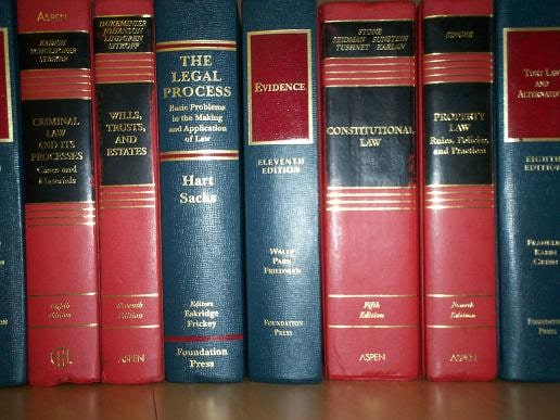 15 Must Read Books for Law Students